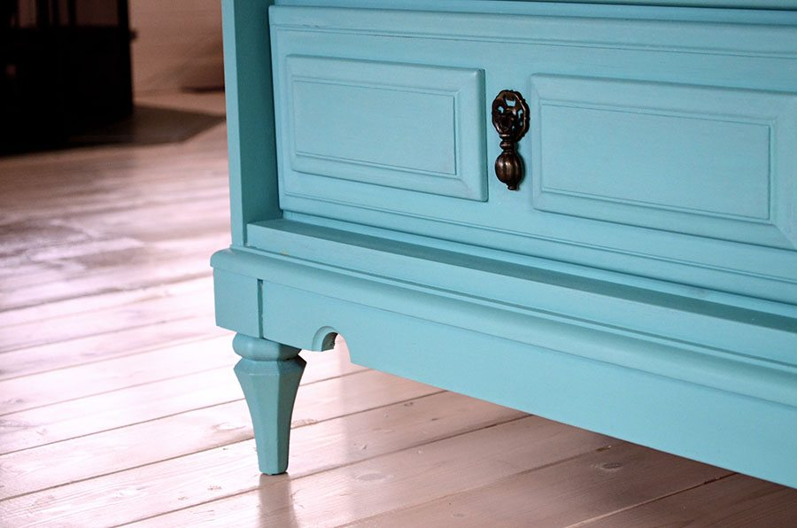 How To Distress Chalk Paint Without Wax