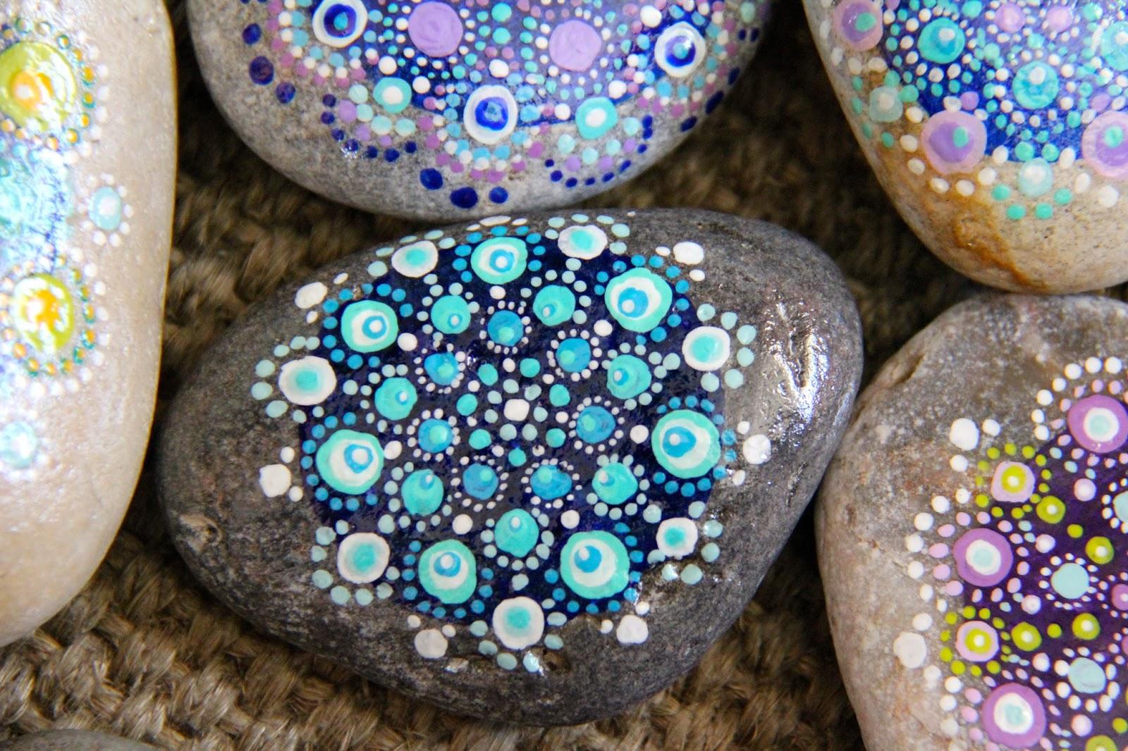 Piedras pintadas una idea original para decorar tu casa - Piedra para decorar ...
