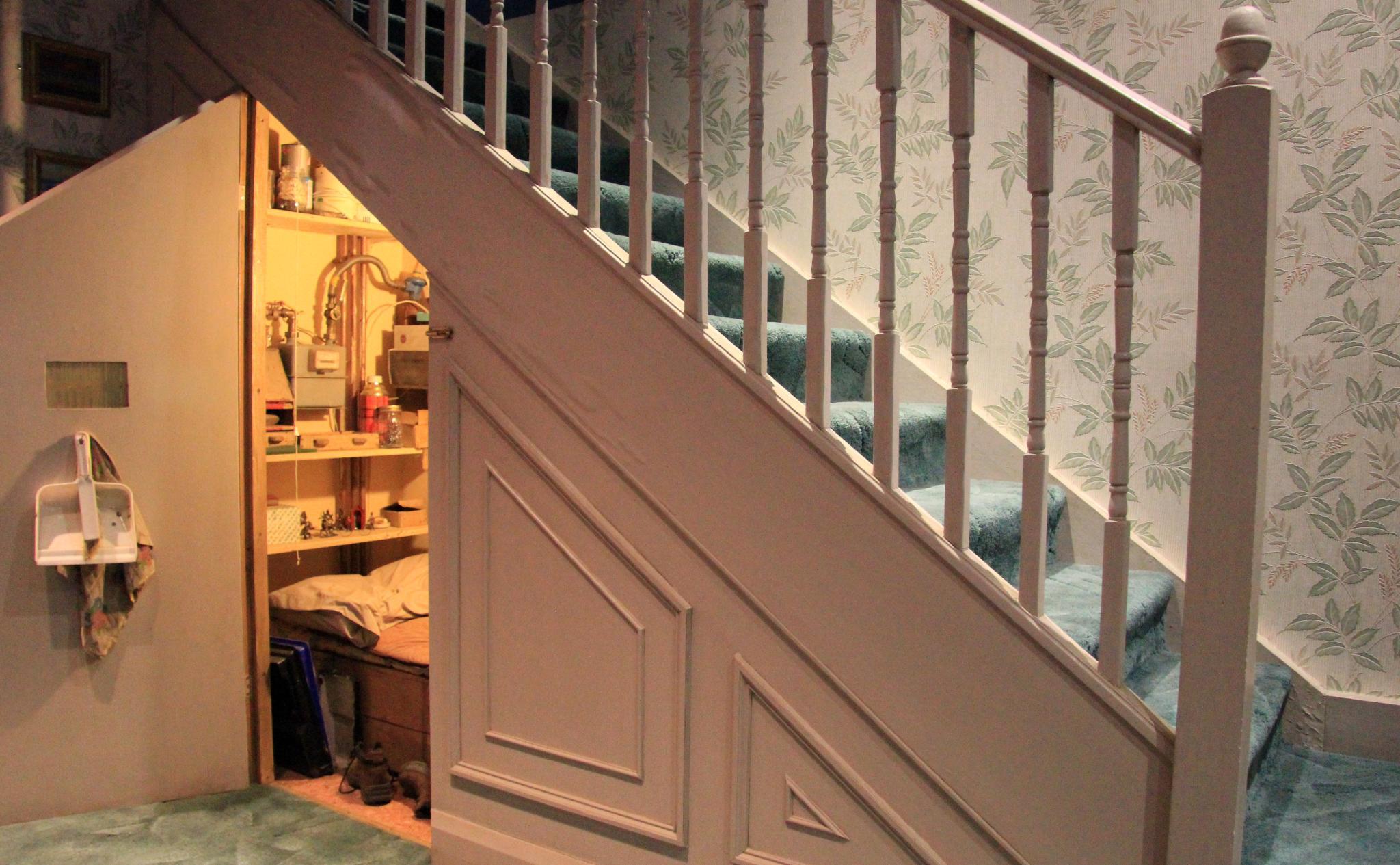 10 opciones de decoraci n para aprovechar el hueco de la for Como aprovechar el hueco de una escalera