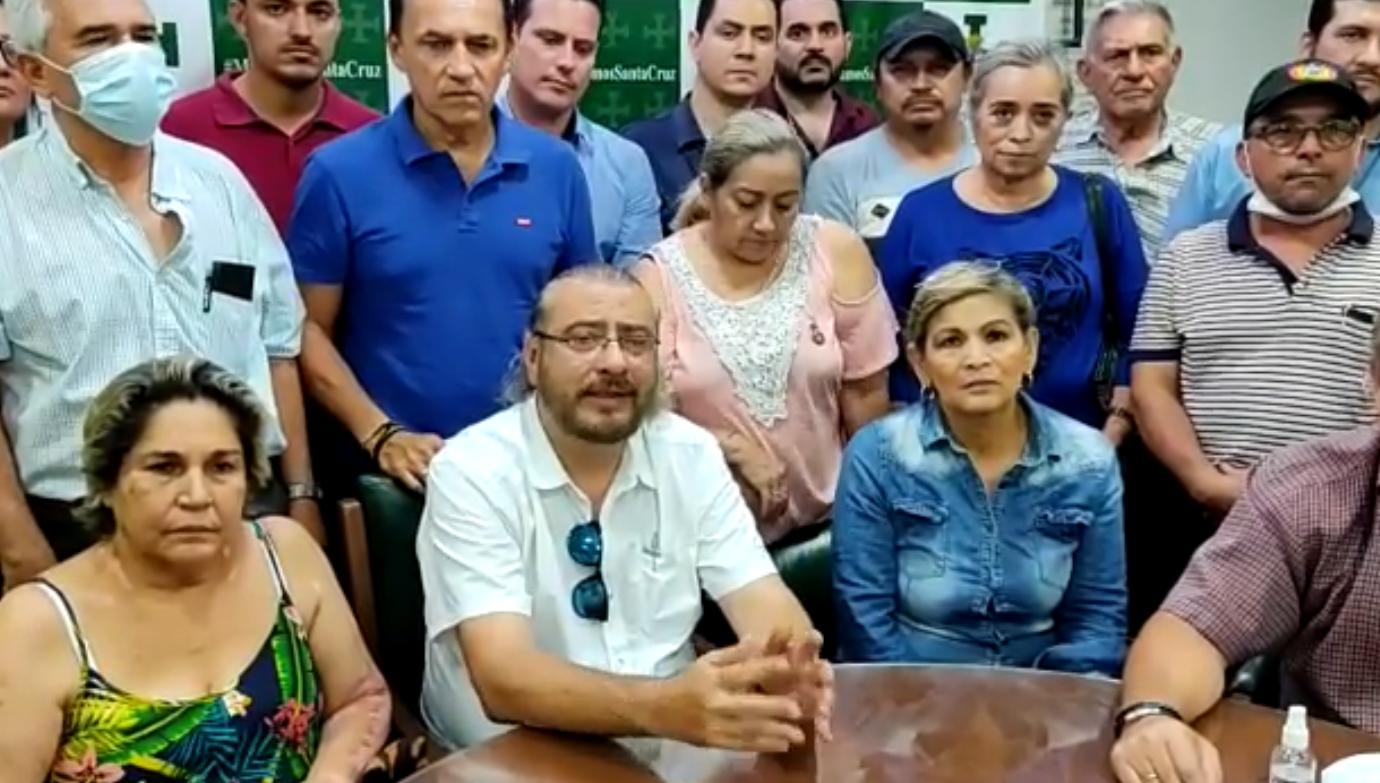 Cívicos cruceños denuncian que fueron tomados como rehenes | Los Tiempos