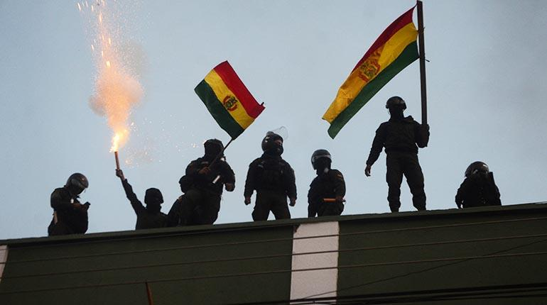 Viceministerio de Descolonización denuncia a 26 policías por el motín de 2019