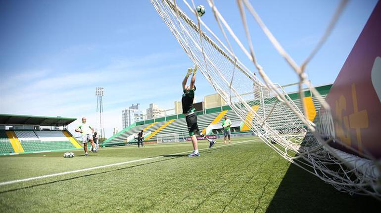 Arquero sobreviviente del Chapecoense vuelve a entrenar: emocionante video