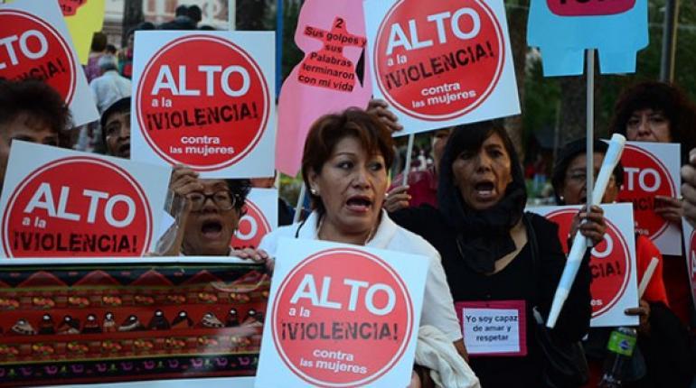 Resultado de imagen para mujer victima bolivia