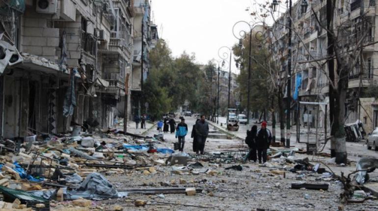 Resultado de imagen de ejército sirio limpian hoy de explosivos los antiguos barrios rebeldes del este de la ciudad de Alepo