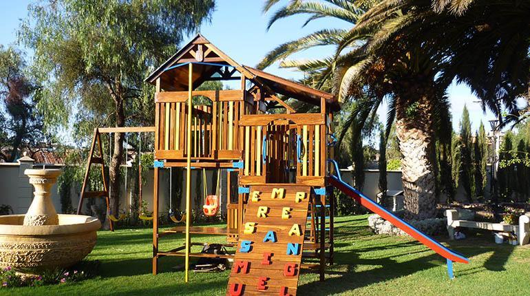 Machobol parques infantiles de madera chiquitana los - Parque infantil de madera ...
