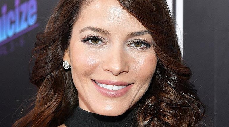 Adriana fonseca actriz mexicana denuncia racismo durante Chimentos dela farandula mexicana