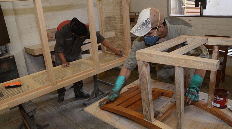 Carpinteros reducen su producción al 50% | Los Tiempos