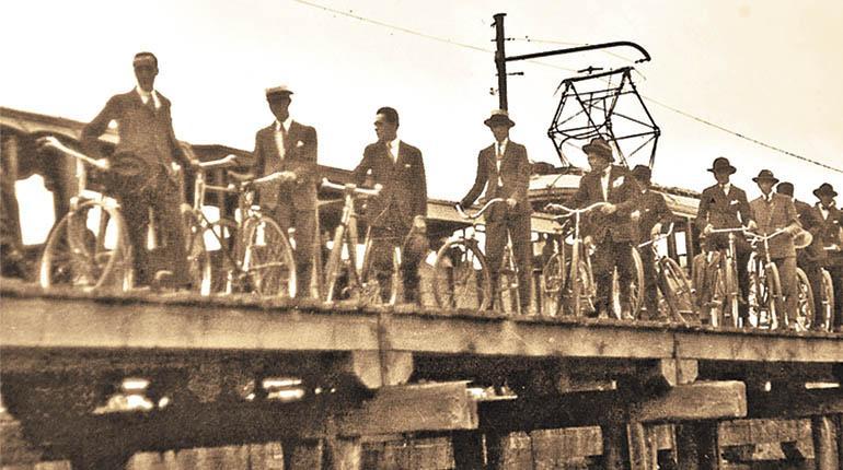"""La bicicleta en Cochabamba: su llegada y primer """"Ciclo Club"""""""