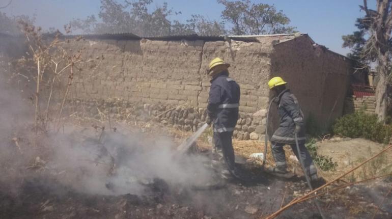 Resultado de imagen para Bomberos controlaron fuego en lote baldío