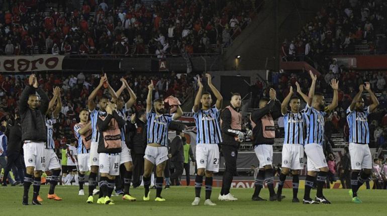 Gremio asesta un duro golpe a River Plate  819b4555c1fb6