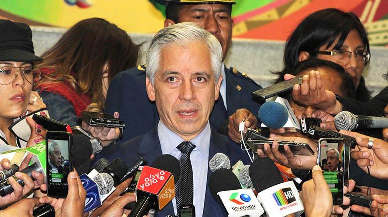 García y magistrado advierten que TSE debe cumplir fallo de reelección