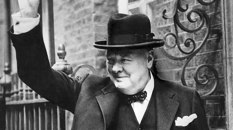 "Winston Churchill ""Inglaterra y Estados Unidos deben caminar ..."