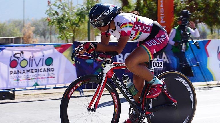 3e625c7043 Abigaíl Sarabia pasa el punto de meta tras culminar la competencia, ayer. |  CARLOS LÓPEZ