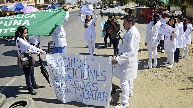 Hospital México rebasó capacidad y personal bloquea por alimentos ...