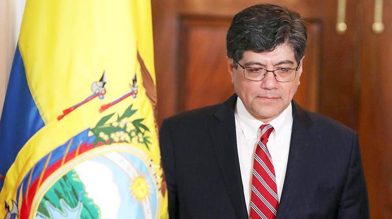 Ecuador pide a Bolivia no dar asilo a dos excolaboradores de Correa