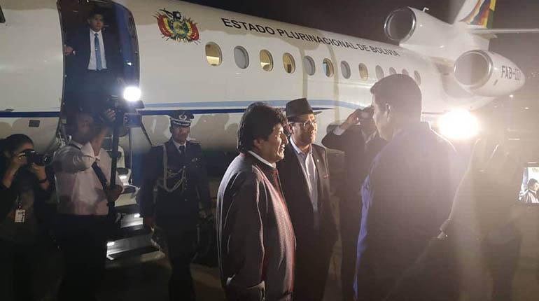 Evo visita a Maduro en medio de crisis de legitimidad