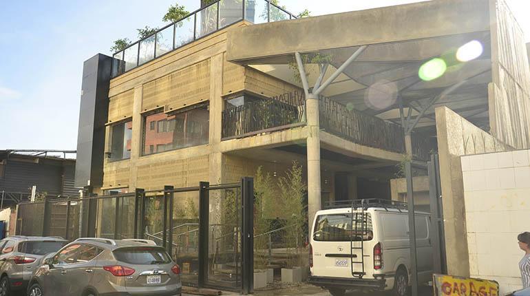 Hooters y Subway llegan a Cochabamba en franquicias