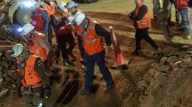 Resultado de imagen para rescate de mineros bolivianos en chile