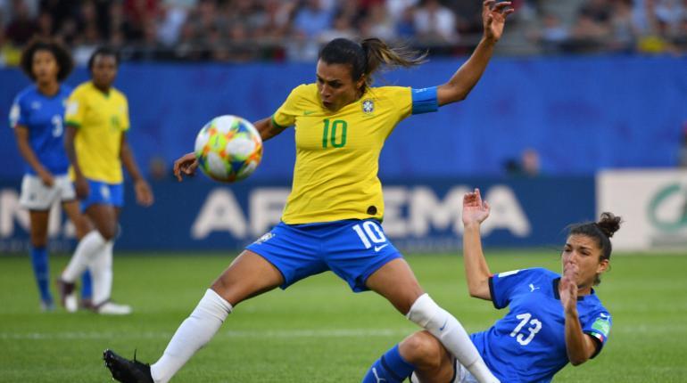 La brasileña Marta se convierte en la máxima goleadora de la historia de  los mundiales | Los Tiempos