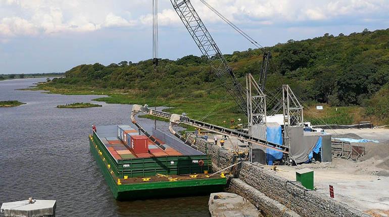 Puerto Jennefer puede bajar 36% de los costos ante puertos chilenos   Los  Tiempos