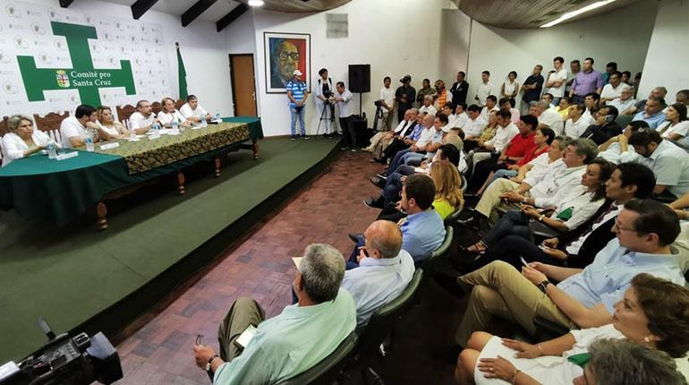 """Resultado de imagen para Los candidatos reunión en el Comité Pro Santa Cruz"""""""