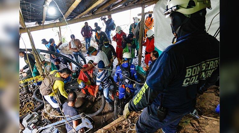 Buscan a 11 mineros atrapados en una mina de oro | Los Tiempos